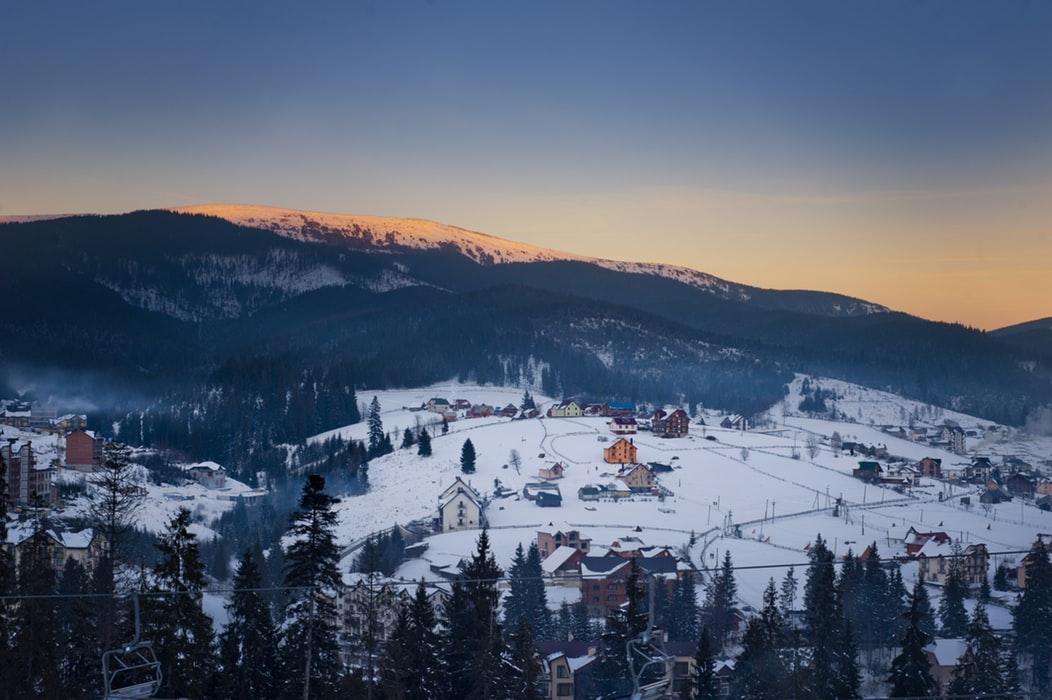 Отдых в Карпатах зимой, Красна Поляна